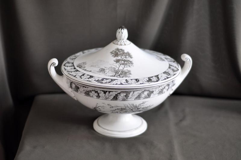 Межигірський фаянс з колекції родини Грушевських